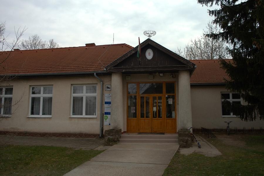 Bemutatkozás | Balatonkenesei Pilinszky János Általános Iskola